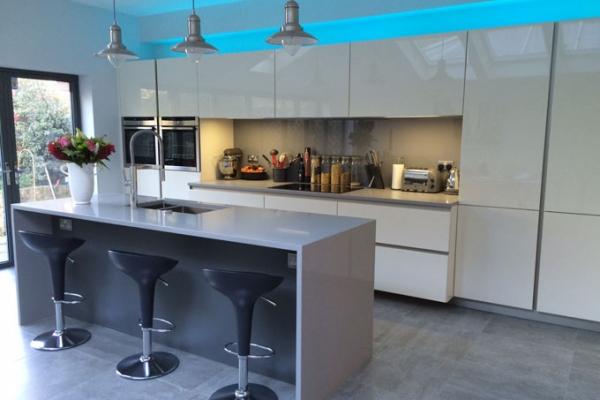 german-kitchens-by-design-5-mainC355E8B3-3D16-102A-F943-913AA9E36292.jpg